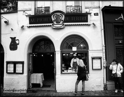 Girl buying a crepe montmarte
